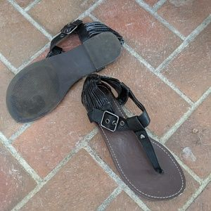 Report black sandal